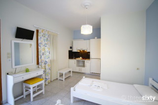 accommodation-kalimera-milos-studios-double-bedroom